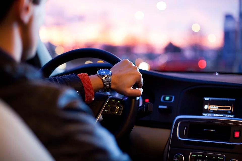 BAG: Fahrtkostenersatz des Arbeitnehmers bei rechtswidriger Versetzung