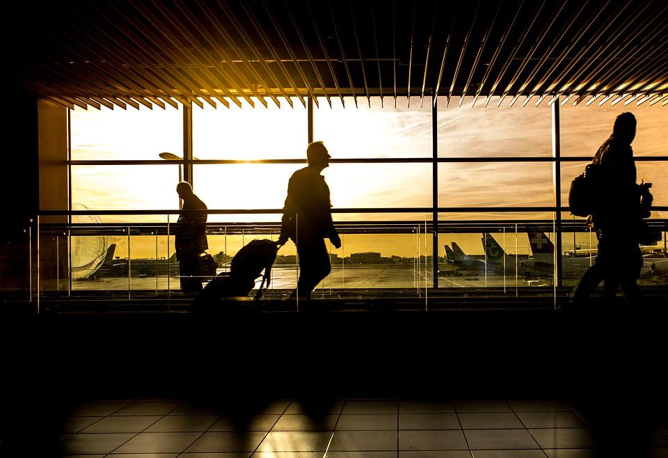 BAG: Arbeitnehmer erhält Vergütung für Reisezeiten